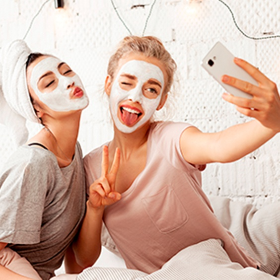 Sivilce maskesi nedir, gerçekten etkili midir?